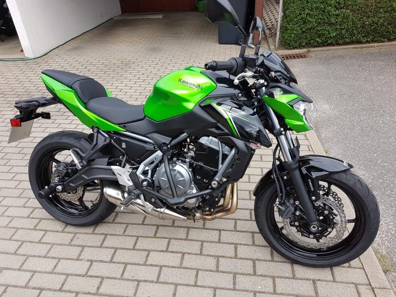 Kawasaki-Z650-75