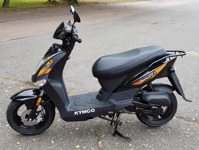 Moped-AM-Kymko-Roller